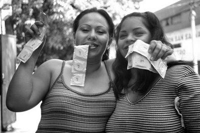 """Exposició: """"Les veus de les Dones, El Salvador"""""""