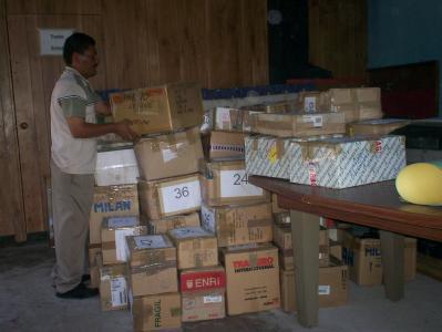 Material per a la Biblioteca a San Carlos Lempa